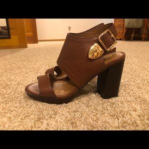 Coach Betsy brown leather block heel sandal, nwob